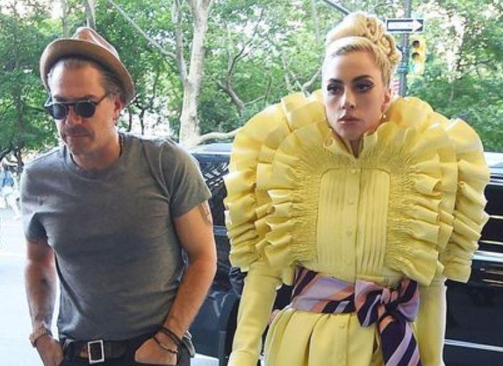 Леди Гага, наряд